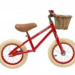 vélo enfant 2 à 5 ans avec panier couleur rouge marque banwood