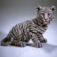 Tigre blanc bébé, de Sibérie. Réalisé par Matt Buckley, Edge sculpture. Ref ED29S